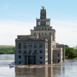 !0_2008_CedarRapidsIA_Flood_CityHallOnMay&#039;sIsland